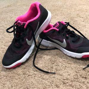 Nike Flex Experience RN4 size 6.5Y
